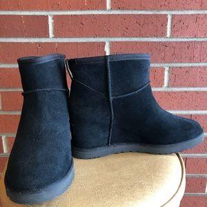 Ugg Black Suede Slip-on Wedge Boots 8-1/2